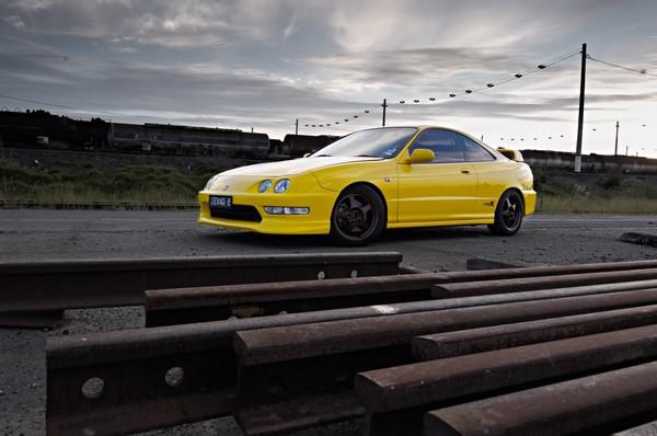 2000 Sunlight Yellow Honda Integra Type-r