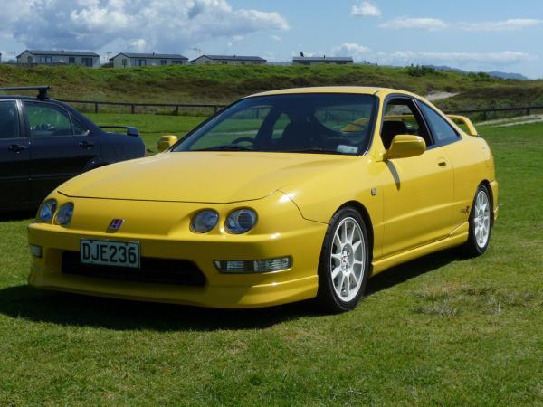 Sunlight Yellow Integra Type-r in New Zealand