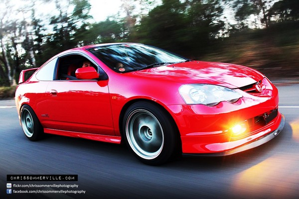 Milano Red DC5 AUDM ITR Driving