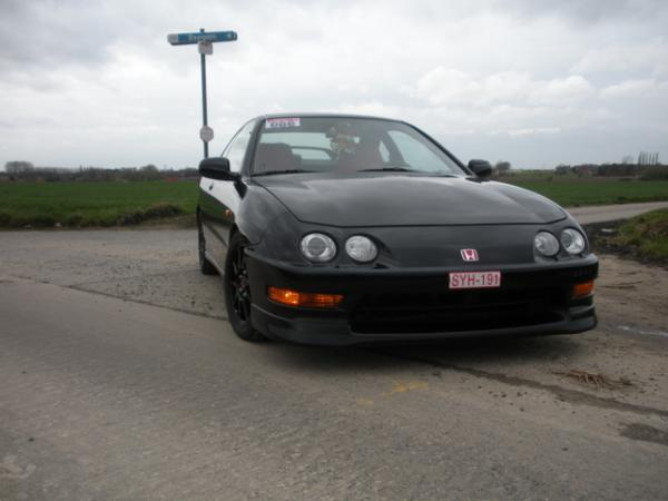 2000 EDM Honda Integra Type-R front end