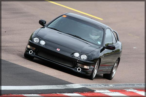 2000 EDM Integra Type R at the race track
