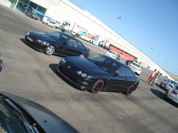 1998 EDM Integra Type-R with friends