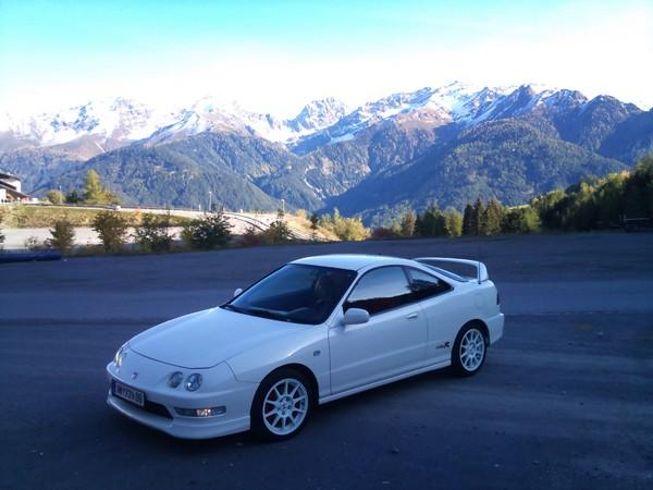1998 EDM Integra Type-R in the snowy mountains
