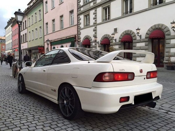 1998 Championship White EDM Integra Type-R in town