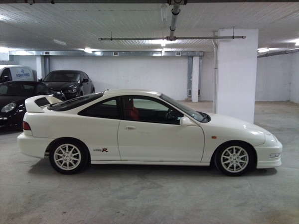 1998 EDM Integra Type-R CW indoors
