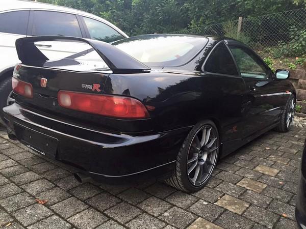 EDM 1998 Honda Integra Type R aftermarket wheels