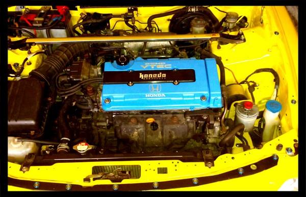 Customized EDM Integra Type-R engine bay