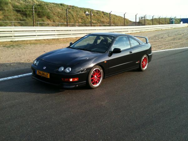 EDM Integra Type R at the track