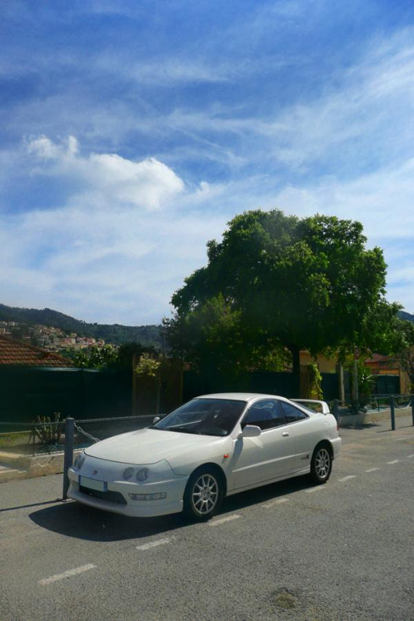 EDM Integra Type-R on the street in France