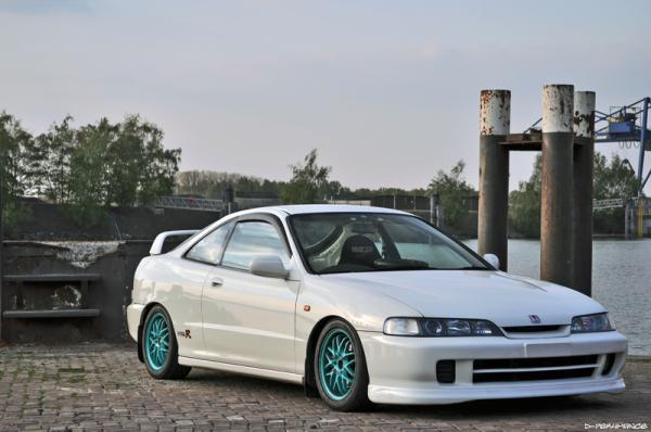 1996 JDM Integra Type-R teal wheels
