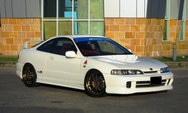 Championship White JDM Honda Integra Type R Drivers side