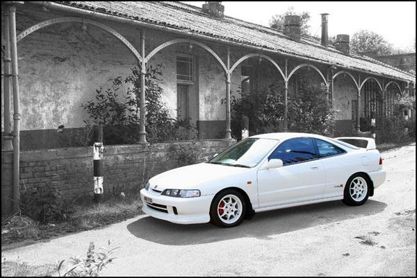 97 JDM Integra Type R color in black and white
