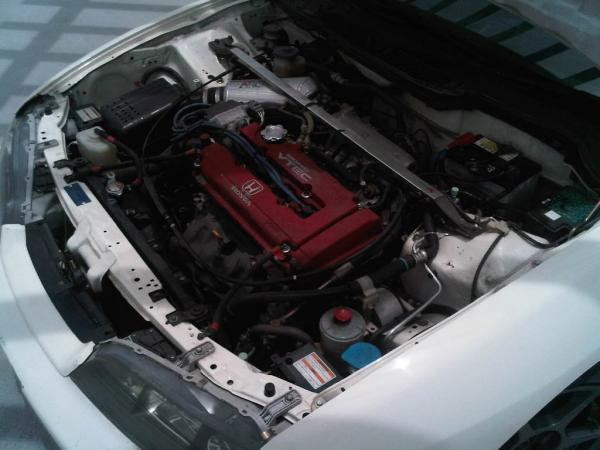 1998 JDM Integra Type R championship white B18C engine bay