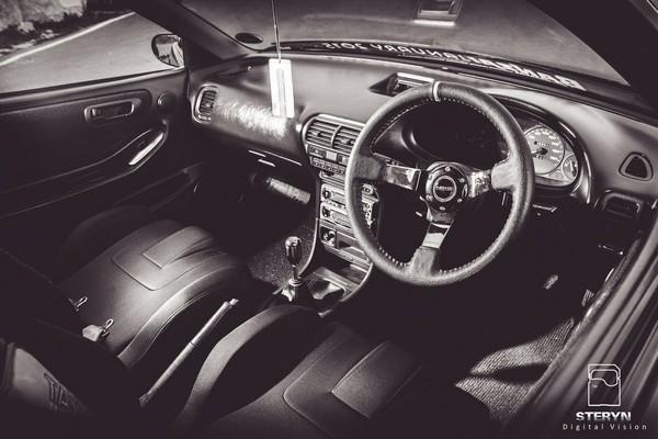 Starlight Black Pearl 1998 JDM Honda Integra Type-r interior