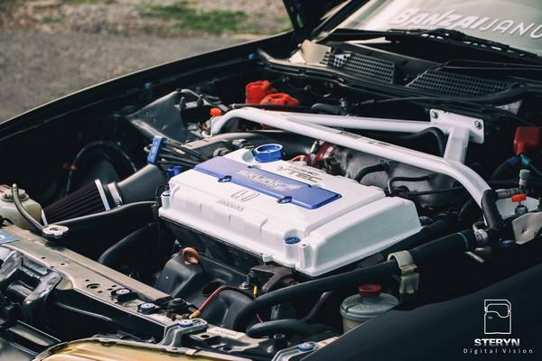 Starlight Black Pearl 1998 JDM Honda Integra Type-r custom engine
