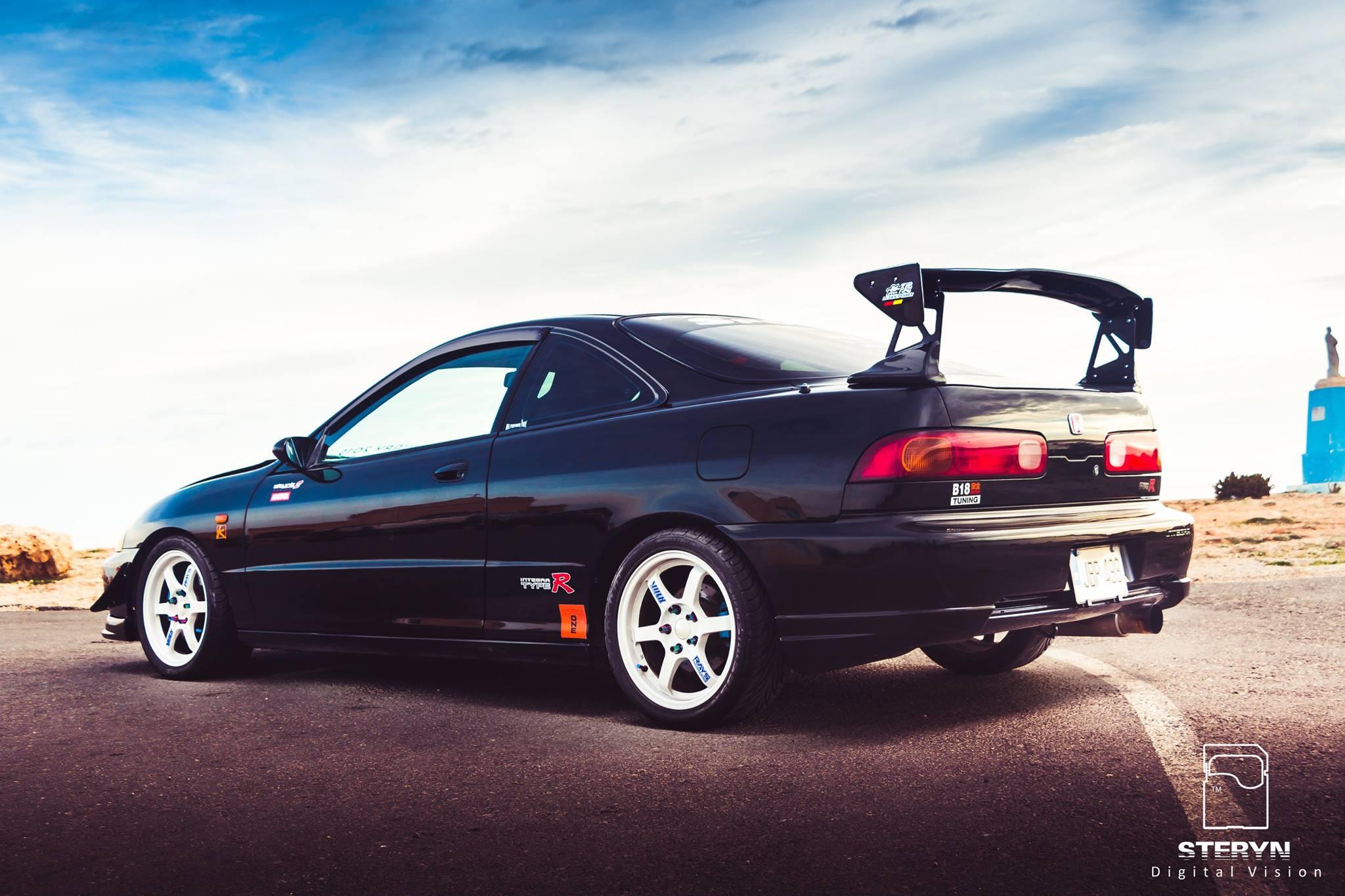 Starlight Black Pearl 1998 JDM Honda Integra Type-r passenger side