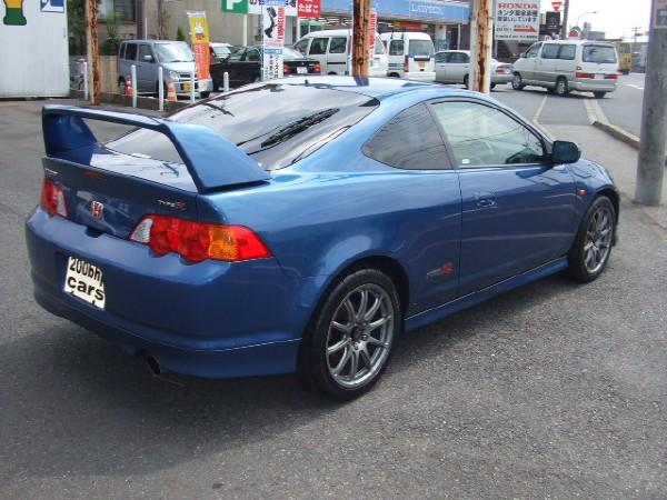 back and side of 02' DC5 Integra Type-R