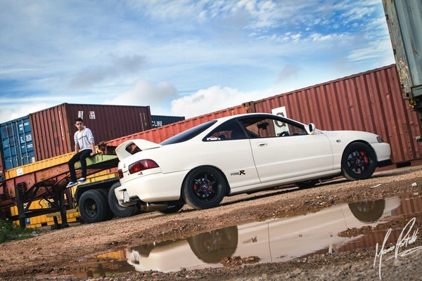 2000 JDM Honda Integra Type-Rx lowered on Tein coilovers