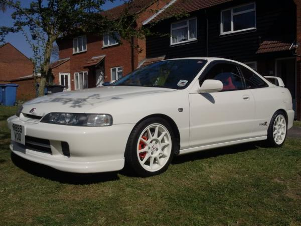 98-spec DC2 JDM Honda Integra Type-R Championship White Wheels