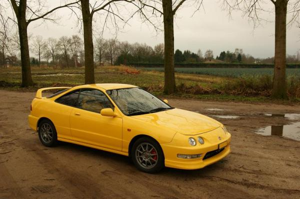 Swiss integra type-r phoenix yellow front end