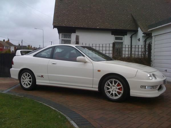 UKDM Championship White Integra Type-R full body