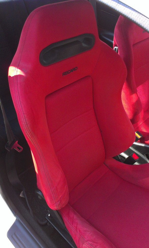UKDM Integra Type-R Red Recaro Seat