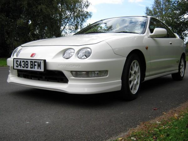 UKDM Championship White Integra Type-R Front end