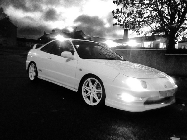 1998 UKDM Championship White Integra Type-R black and white