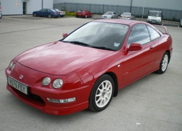 Milano Red 2000 UKDM Integra Type-R white rims