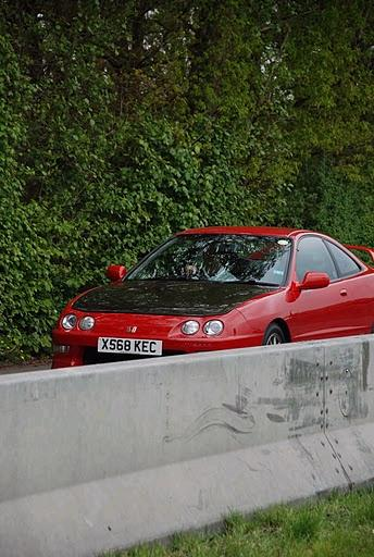 Milano Red Integra Type-R in return lane