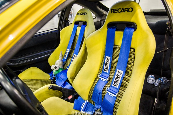 2000 Acura Integra Type-R with yellow recaro seats