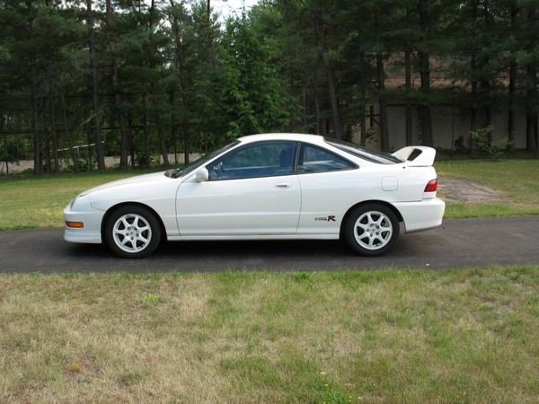 Canadian 2000 Championship White Acura Integra Type-R