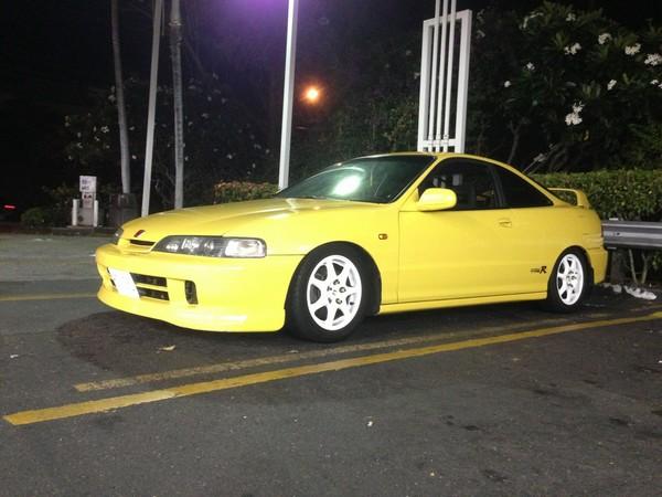 2000 Acura Integra Type-r PY at night