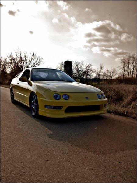 2000 Phoenix Yellow ITR front end