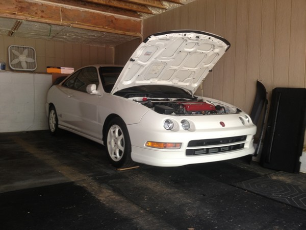 CW 1997 Acura Integra Type-R hood popped open in garage