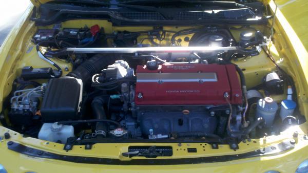 2000 Phoenix Yellow ITR stock engine bay