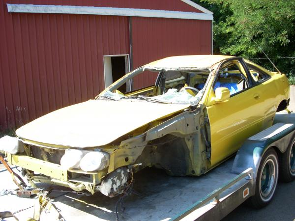 2000 Phoenix Yellow ITR totaled