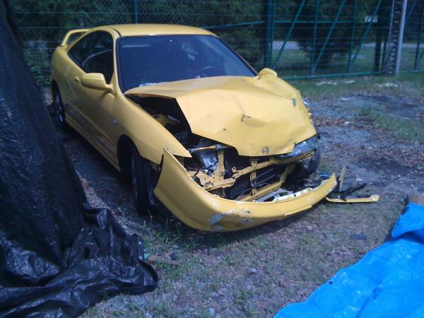 2001 Phoenix Yellow Integra TypeR Accident