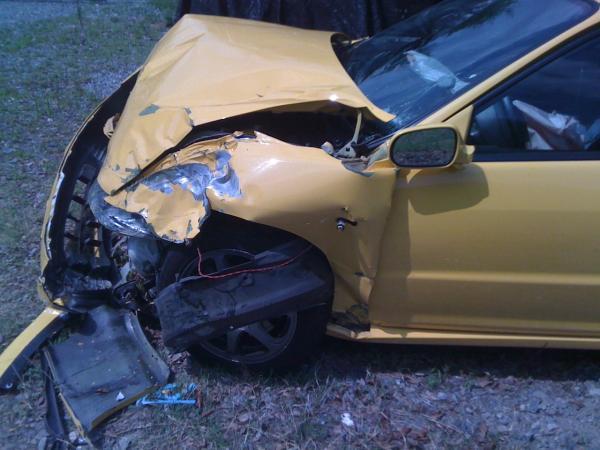 2001 Phoenix Yellow Integra TypeR Smashed Front End