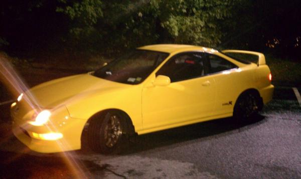Phoenix Yellow 2001 Acura ITR at night