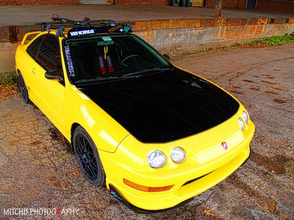 Modded Integra Type-r, carbon fiber hood, arc splitters