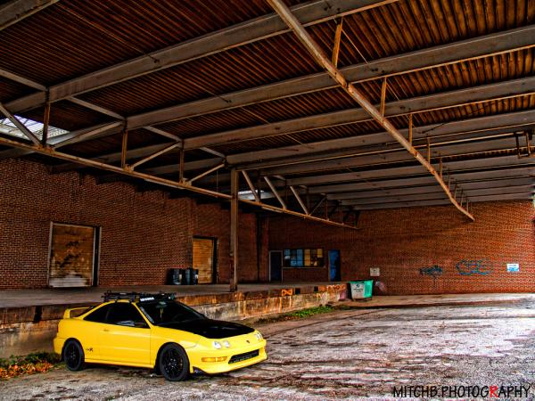 Phoenix Yellow Integra typeR 2001