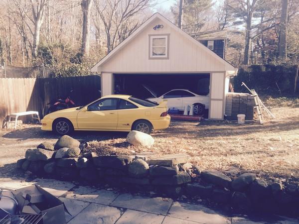 2001 Phoenix Yellow ITR in front of garage