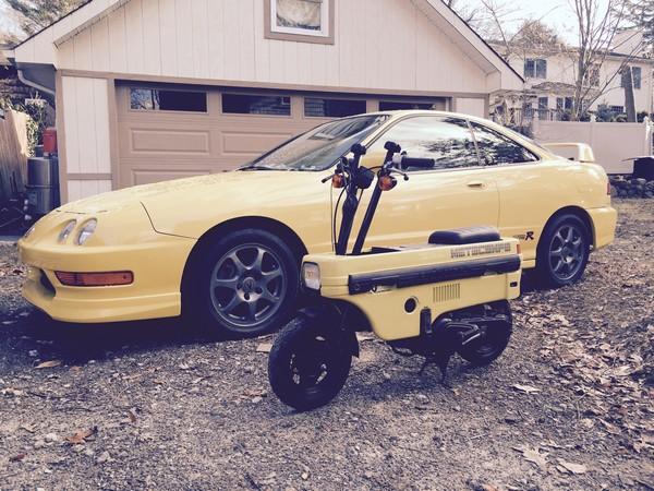 Phoenix Yellow ITR with matching bike