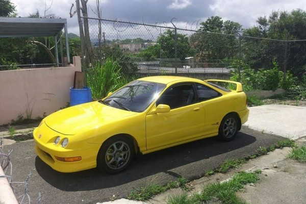 Phoenix Yellow 2001 ITR Puerto Rico