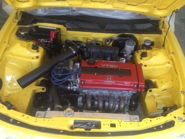 Phoenix Yellow 2001 ITR modified engine wire tuck