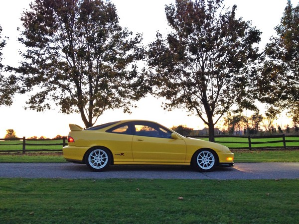 2001 Canadian Phoenix Yellow ITR Profile