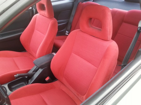 Canadian 2001 Championship White Integra Type-R red interior