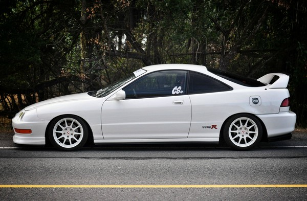 2001 Championship White Integra Type-R profile