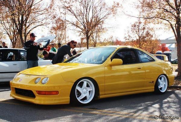 2001 Phoenix yellow ITR White wheels